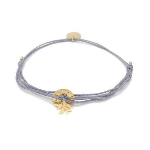 Armband mit goldenem Weihnachtskranz und grauem Stoffband